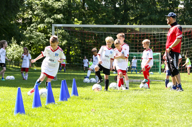 hsv_fussballschule-429_48048036832_o.jpg