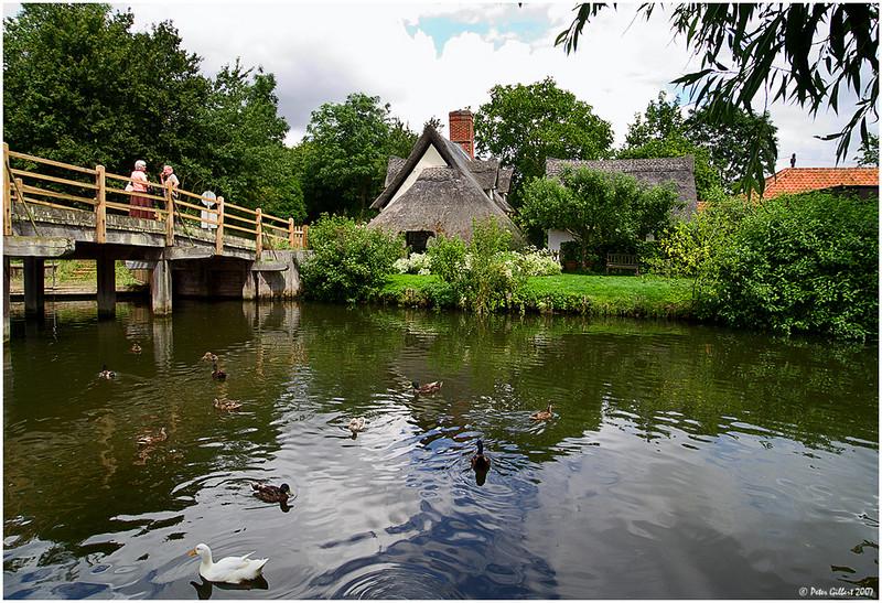 refiningman Mill Bridge and Cottage, Flatford, Suffolk, England