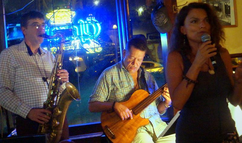 20160825 John Lee Trio Roberta Gambarini Paul Bollenbach 006.jpg