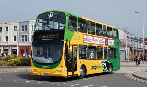 Volvo B7TL / Wright (new to London or Scotland)