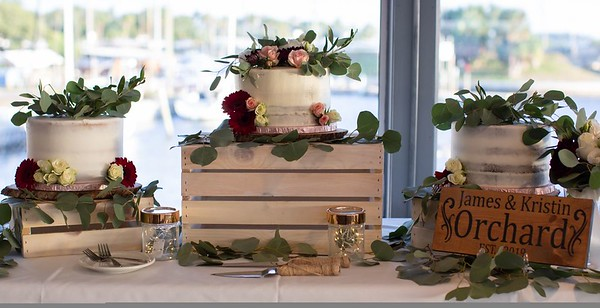 Wedding Cakes Naked / Drip Style Pictures