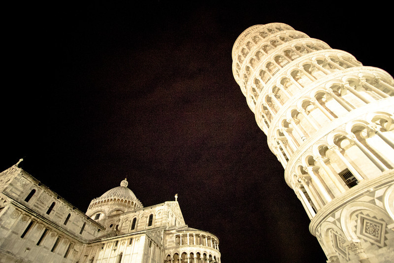 pisa towerplus cathedral.jpg