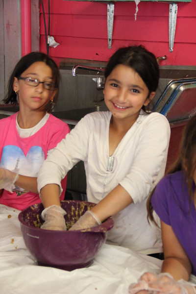 kars4kids_thezone_camp_girlsDivsion_activities_baking (5).JPG