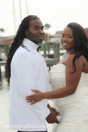 Bah's First Look and Bridal Party Images at Halifax River and Yacht Club in Daytona Beach Florida