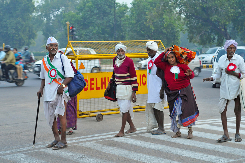 These people have come into Delhi from the countryside.