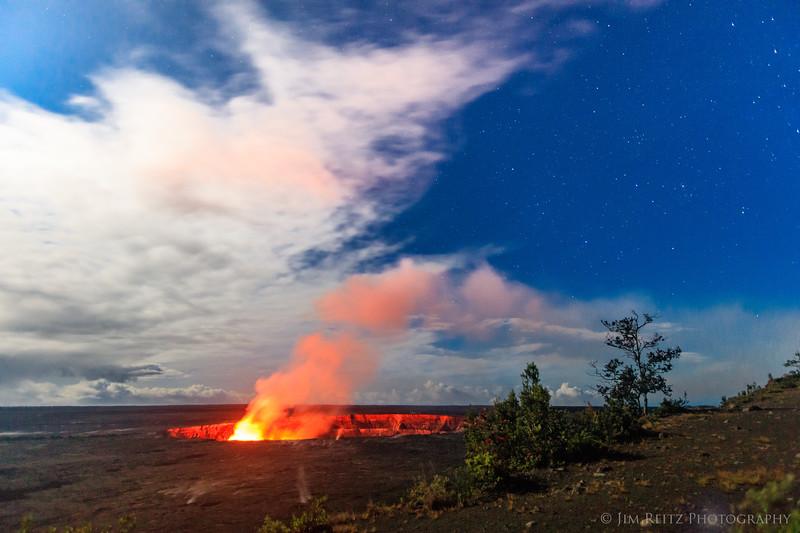 Halemaʻumaʻu Crater - view from Kilaeua Overlook