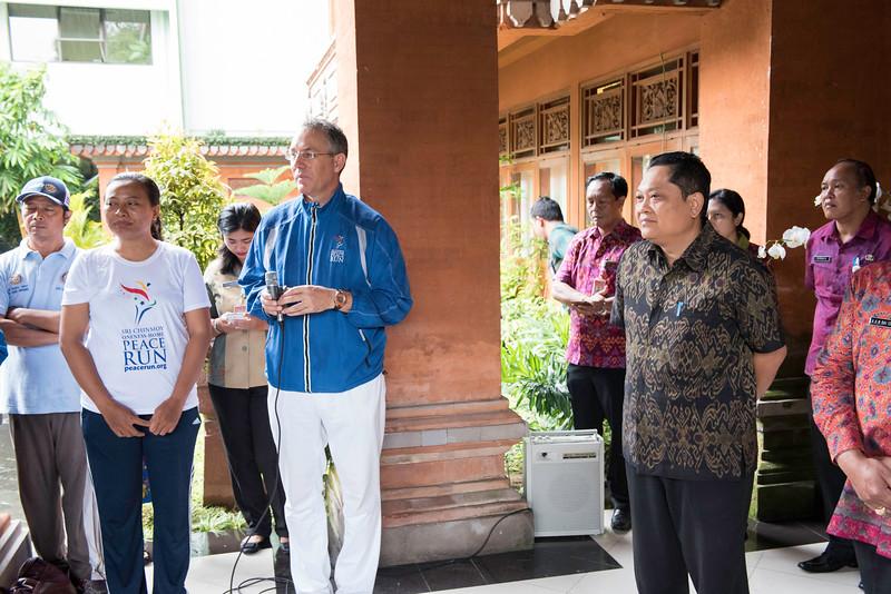 20170202_Peace Run Denpasar w_Mayor_036.jpg