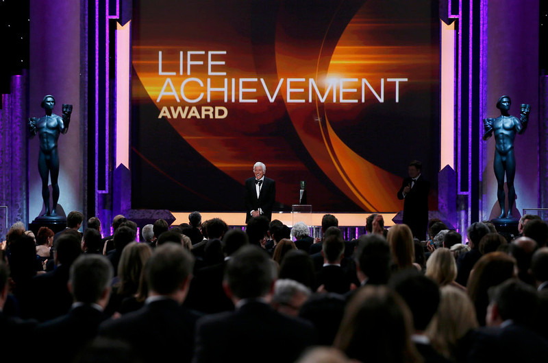 . Actor Dick Van Dyke accepts the life achievement award at the 19th annual Screen Actors Guild Awards in Los Angeles, California January 27, 2013.    REUTERS/Lucy Nicholson