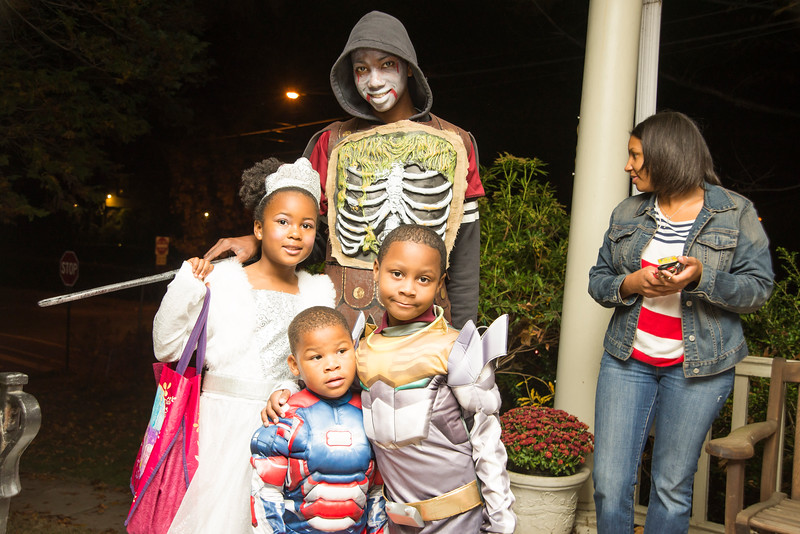 2013 Halloween in Lansdowne