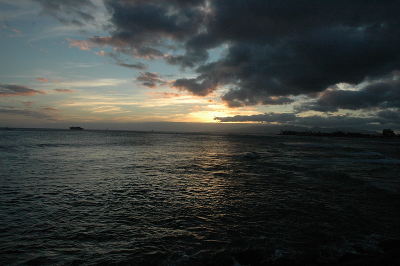Hawaii - Ala Moana Beach Sunset-56.JPG