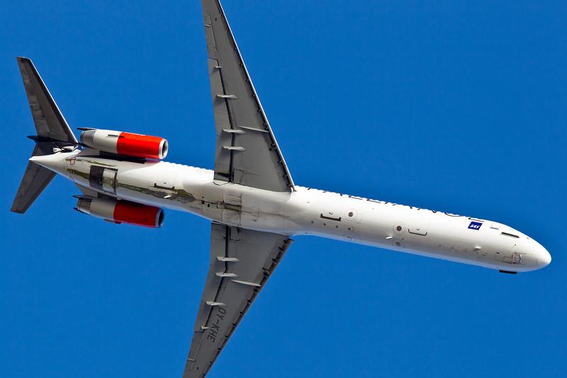 OY-KHE-MD-82-SAS-CPH-EKCH-2011-04-10-_O7F7524-DanishAviationPhoto.jpg