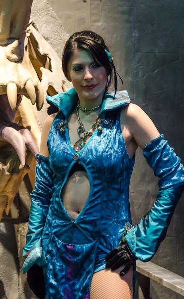 Neverwinter girl at E3 2012