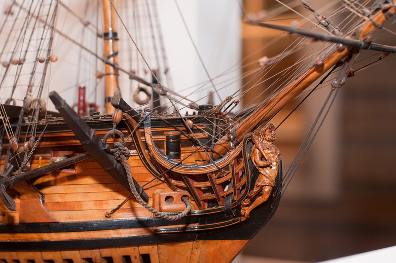 2009-10-03 - USNA Museum - 029 - British 6th Rate 20-Gun Ship of 1728 (figurehead) - _DSC7408.jpg