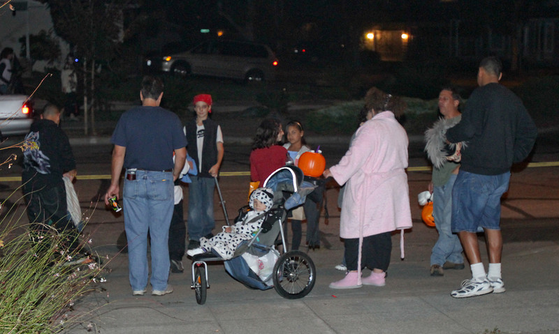 More guests gather.  The display worked best with groups in line waiting to get in.
