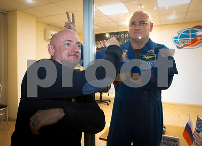 twin-fools-nasa-at-brothers-launch-on-1year-flight