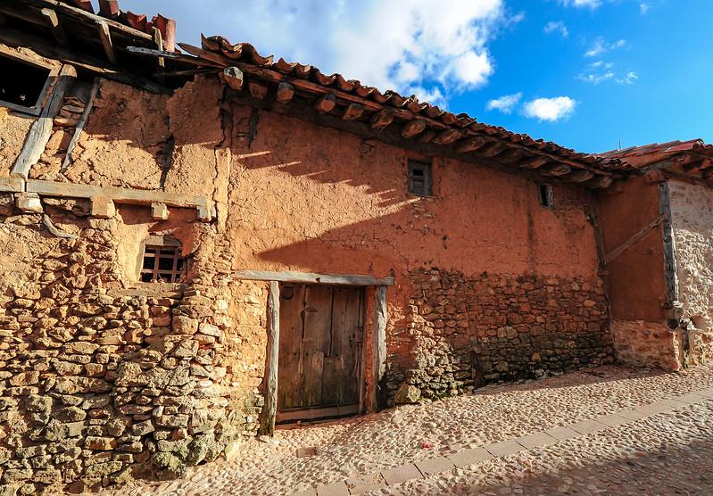 KCMB catalanazor village 2000-70-1207.jpg