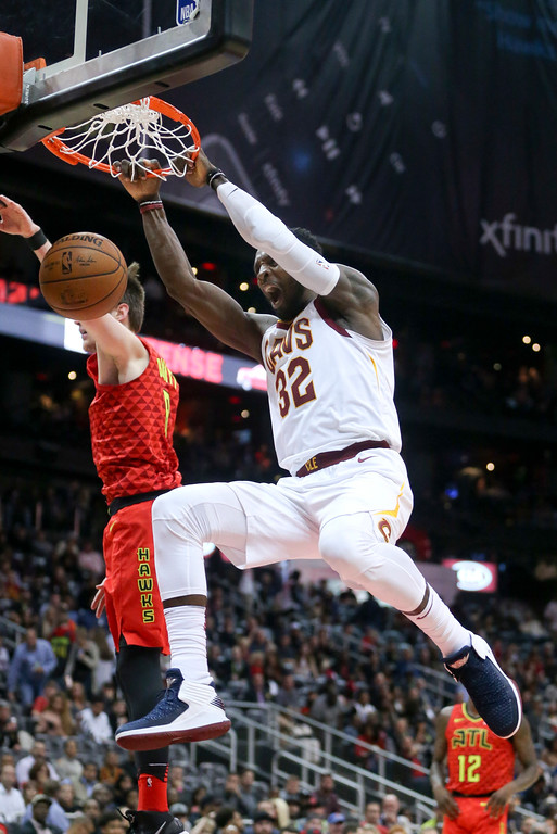 . Cleveland Cavaliers forward Jeff Green (32) scores against the Atlanta Hawks in the second half of an NBA basketball game Thursday, Nov. 30, 2017, in Atlanta. Cleveland won 121-114. (AP Photo/John Bazemore)