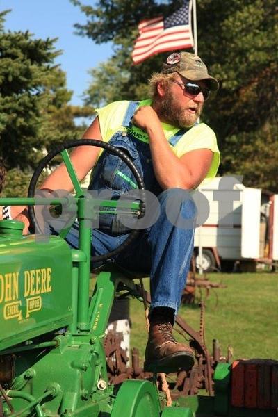 Plowing 5430.jpg