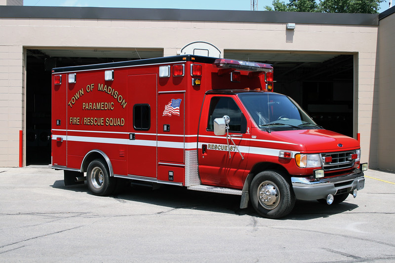 TOWN OF MADISON  RESCUE 67  FORD E450 - MEDTEC.jpg