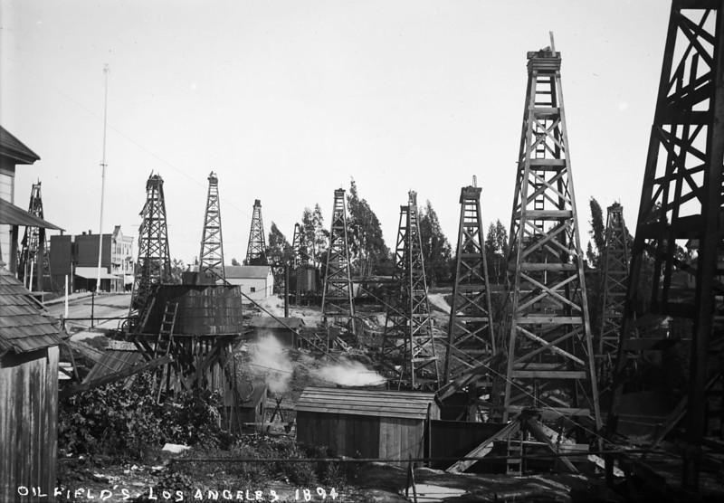 OilFields-LosAngeles01.bmp