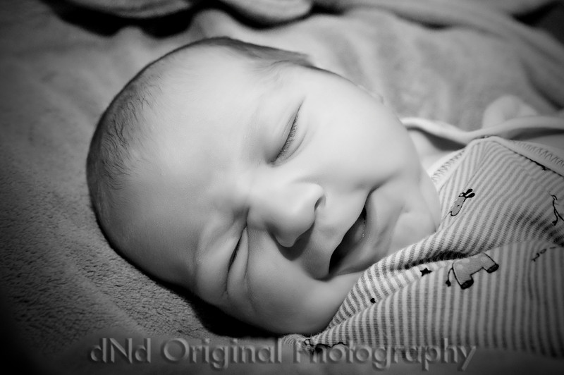 014 Declan 1 day Old (b&w) vig.jpg