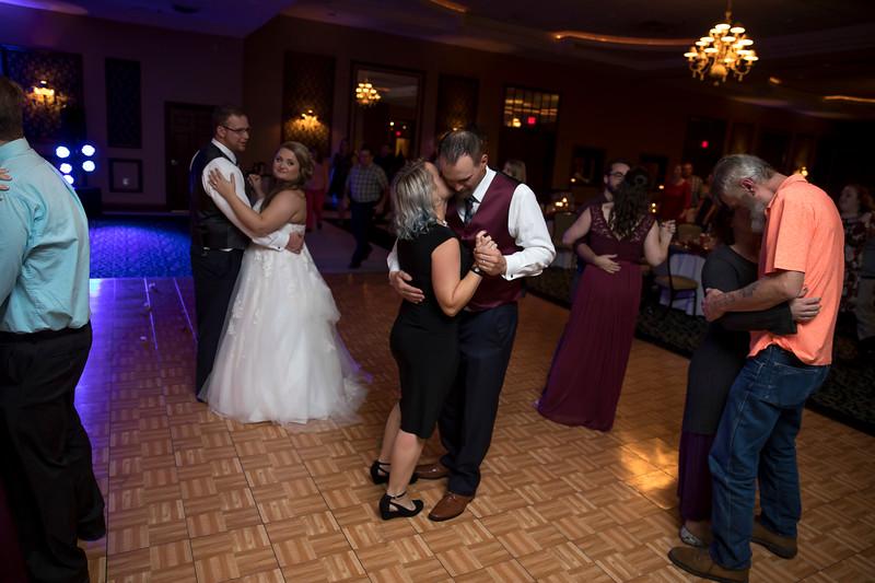 Amanda & Tyler Wedding 0810.jpg