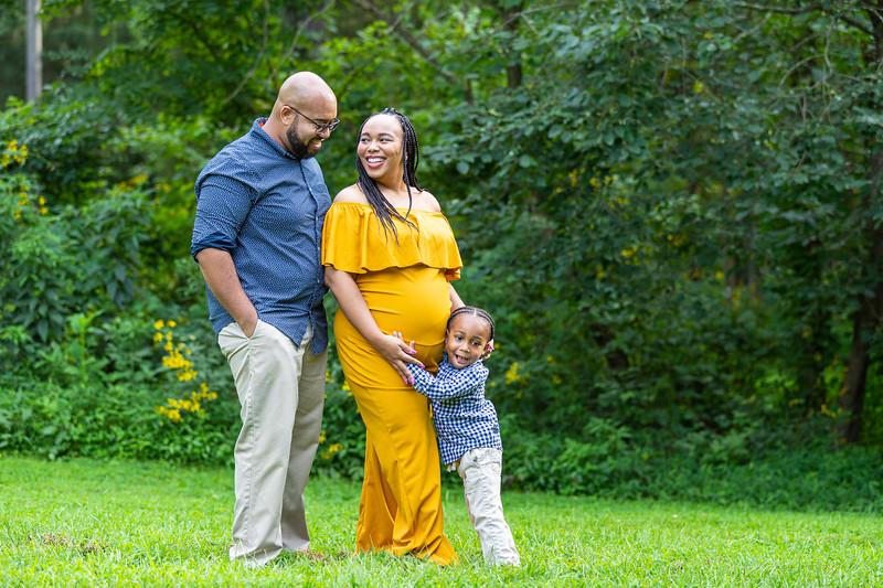 The Scott Family | Maternity Session at the Monticello Trail in Charlottesville, VA