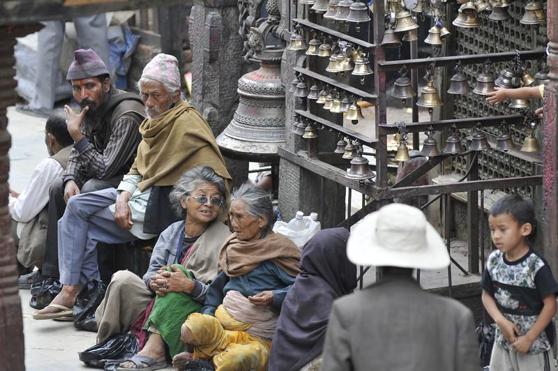 080523 3222 Nepal - Kathmandu - Temples and Local People _E _I ~R ~L.JPG