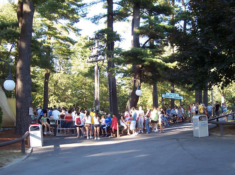 5:55pm, Psychodrome had a long queue.