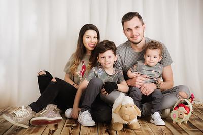 Matei, Luca, Ioana si Dani - Sedinta Foto de Paste