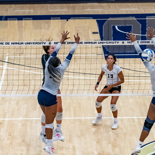 HPU vs NDNU Volleyball-72191.jpg