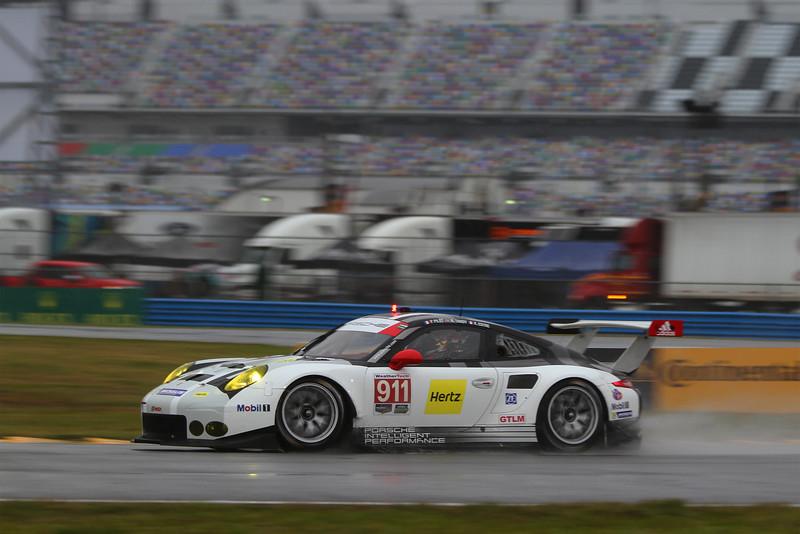 00aa-Lead-RolQual2164-#911-Porsche.jpg