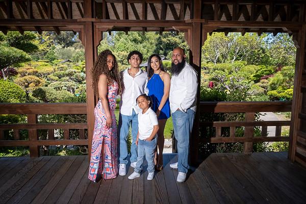 Ashy-Qiuia and Family