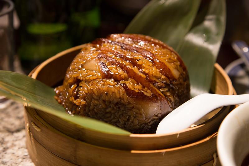 Pork with glutinous rice 豬肉糯米