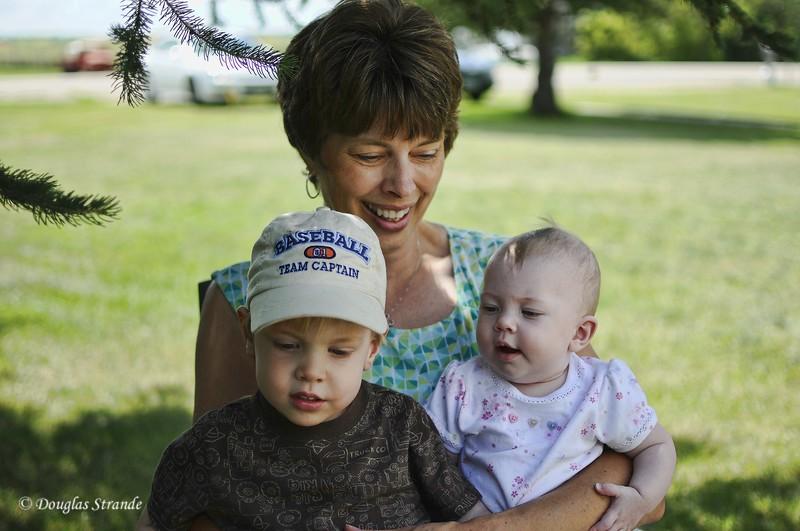 2010   Caden, Regan, Mary