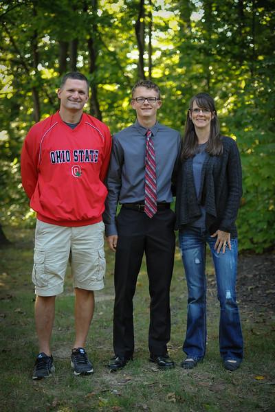 9-29-18 Bluffton HS HOCO - Steve, Eli (10th) and Jill Lemley-2.jpg