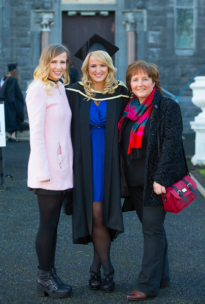 06/01/2015. FREE TO USE IMAGE. WIT (Waterford Institute of Technology) Conferring, Pictured are center is Jillian O'Dwyer, Kilkenny who graduated Master of Business (Hons), also pictured are Emily and Breda O'Dwyer. Picture: Patrick Browne