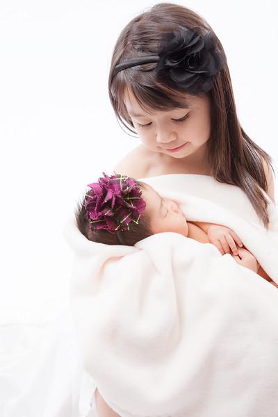 Holding_Newborn.jpg