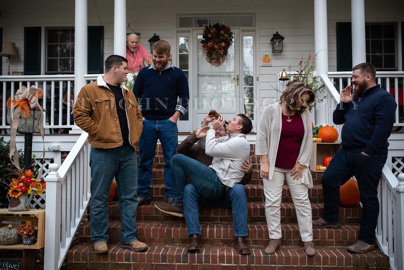 2019 November Ellis Family-145-200.jpg