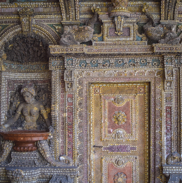 Residenz Museum, Grotto Courtyard, detail (1586)