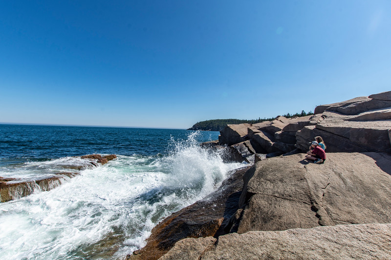 Grace-Elijah-Acadia-rocky-shore2.jpg