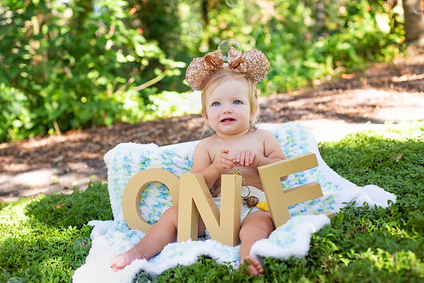 Moerles First Birthday Session