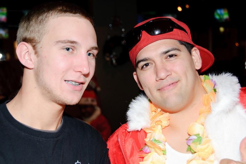 2009 ALS Santa Crawl-114.jpg