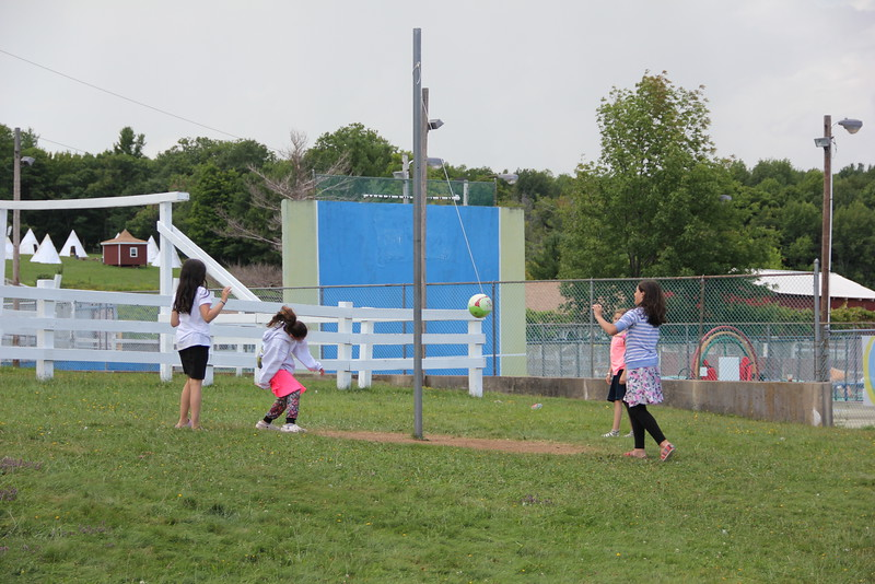 kars4kids_thezone_camp_GirlsDivsion_sports_tetherball (5).JPG