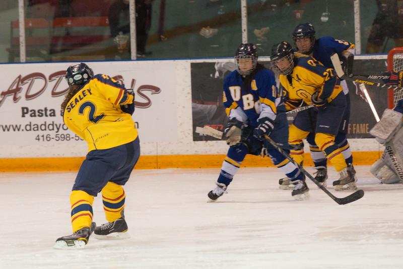 20130310 QWHockeyvsUBC 559.jpg