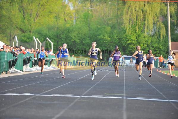 Girls' 200 Final - 2015 MHSAA T&F Regional 9-1