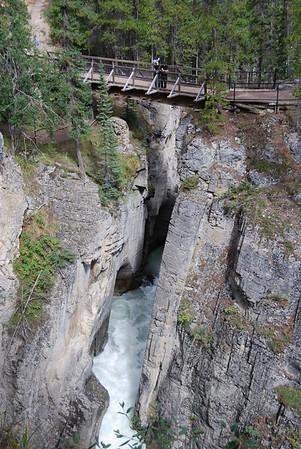 Sunwapta_Falls