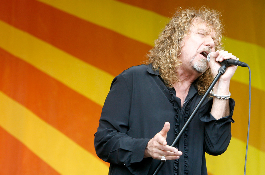 . Robert Plant performs during day one of the New Orleans Jazz & Heritage Festival at the Fair Grounds Race Course April 25, 2008 in New Orleans, Louisiana. (Photo by Sean Gardner/Getty Images)