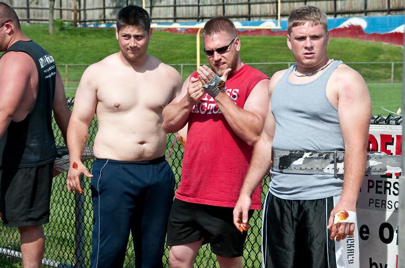 Strongman2009_Crowd_DSC2009-1.jpg