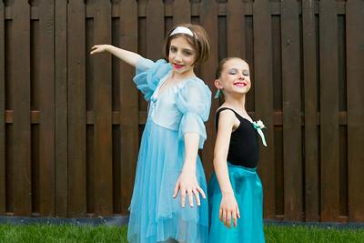 Julianna & Christina - Ballerina Sisters